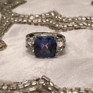 Jewelry - Vintage Blue and White Stone Cocktail Ring